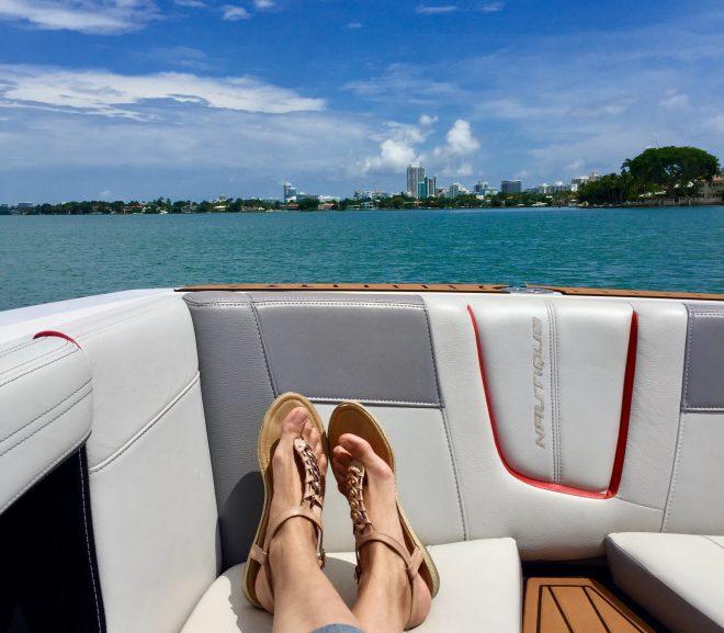 Een rubberboot is compact en gemakkelijk mee te nemen naar al uw vaarbestemmingen