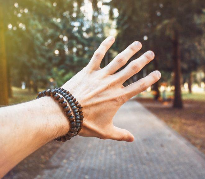 Een nieuwe traditie met zilveren armbandjes