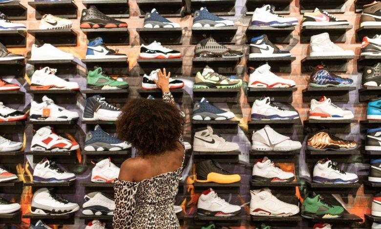 Berg je schoenen op in een schoenenkast